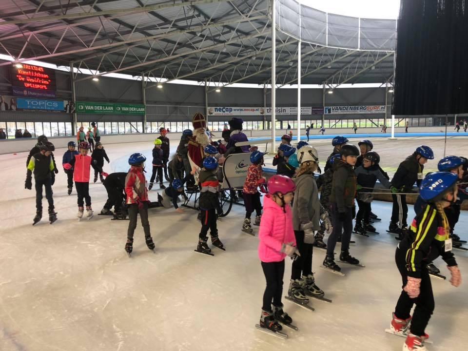 Spannend om mee te schaatsen met de Sint!