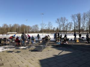 85 enthousiaste schaatsers